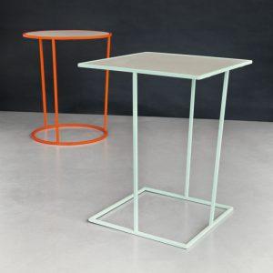 Tavolini in metallo laccato e top in melaminico pelle fiore